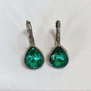 Jewelry - Glamorous Green and Silver Teardrop Earrings